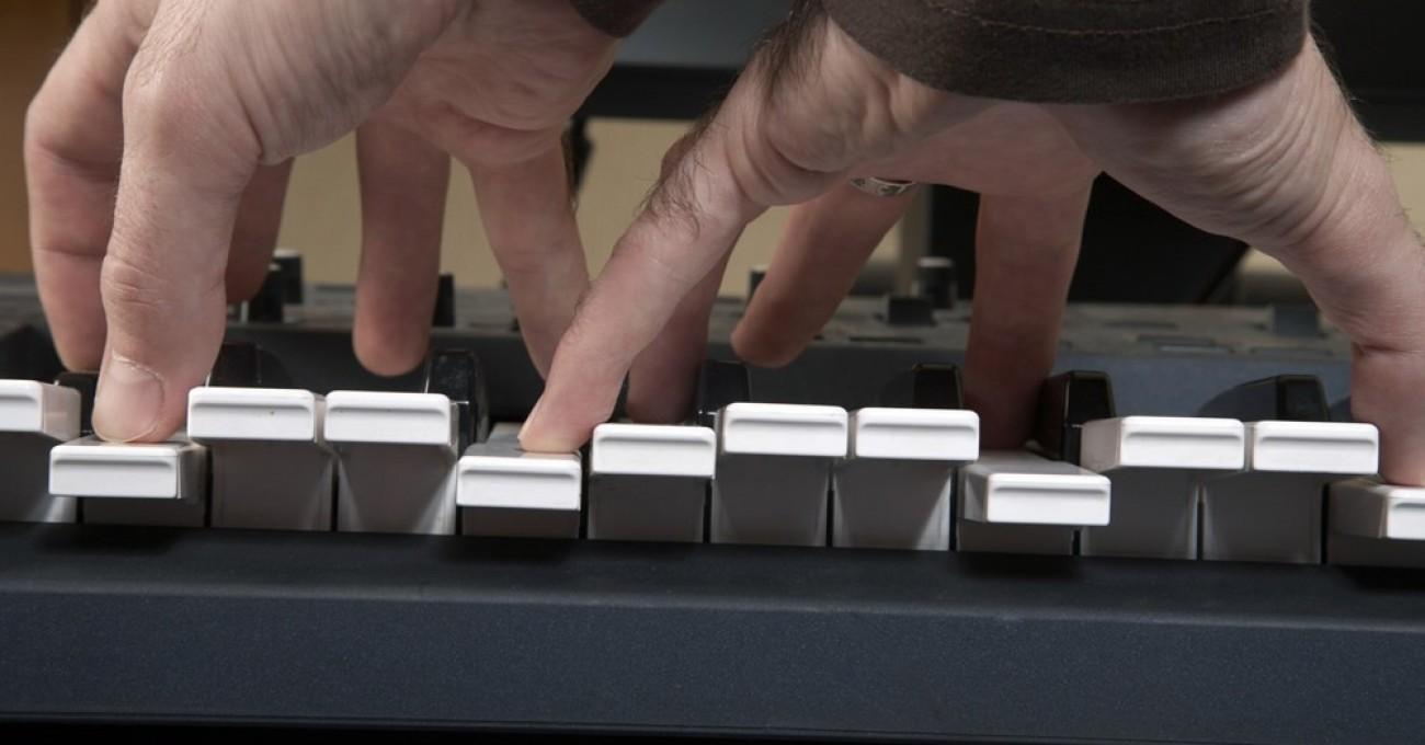 Digital Piano Review